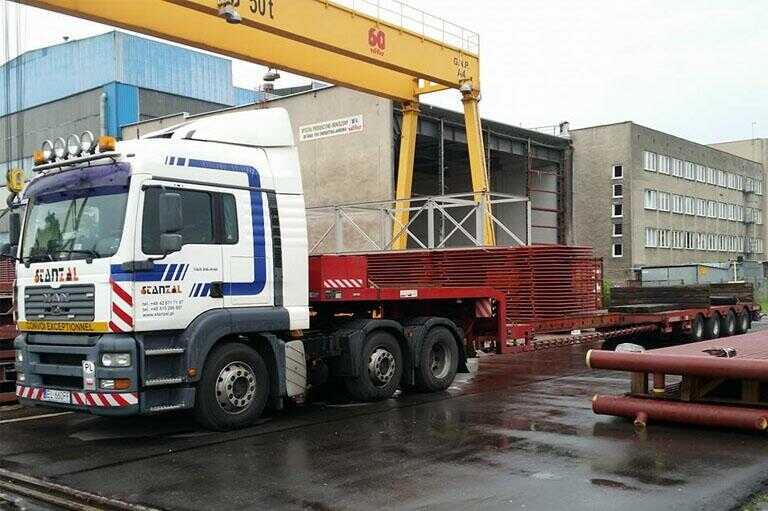 samochód ciężarowy rozładunek